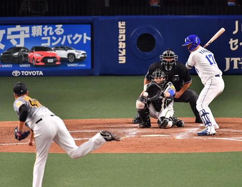 阪神対中日 4回裏中日2死満塁、三振に倒れる柳(撮影・上田博志)