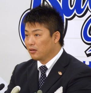 村田、巨人移籍を表明「優勝争いしたい」 - プロ野球ニュース : nikkansports.com