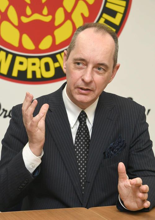 新日本プロレスの未来を熱く語る、ハロルド・メイ社長