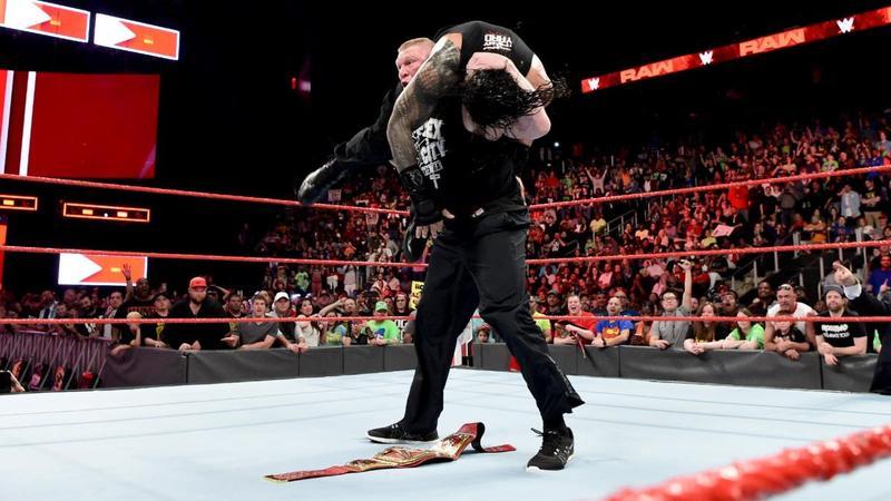 WWE王者レスナーがレインズを必...