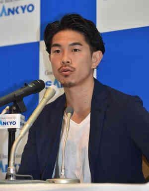 米国で復帰戦を発表した井岡一翔(撮影・柴田隆二)