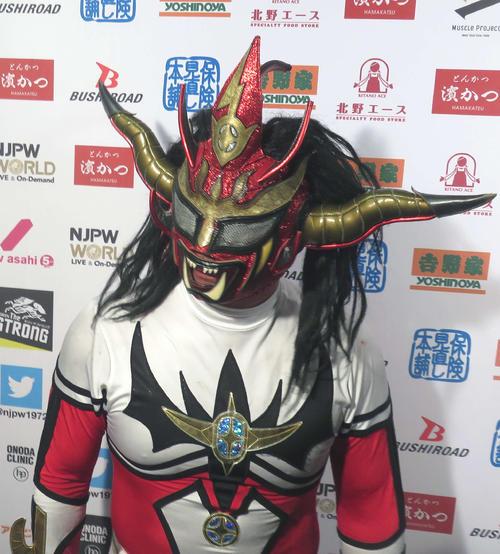 試合後のインタビューでも鈴木への怒りが収まらない獣神サンダーライガー