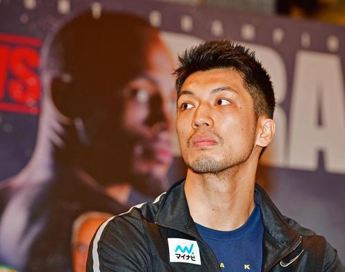 12日のボクシングWBA世界ミドル級タイトルマッチを前に会見を行う村田諒太(撮影・清水貴仁)