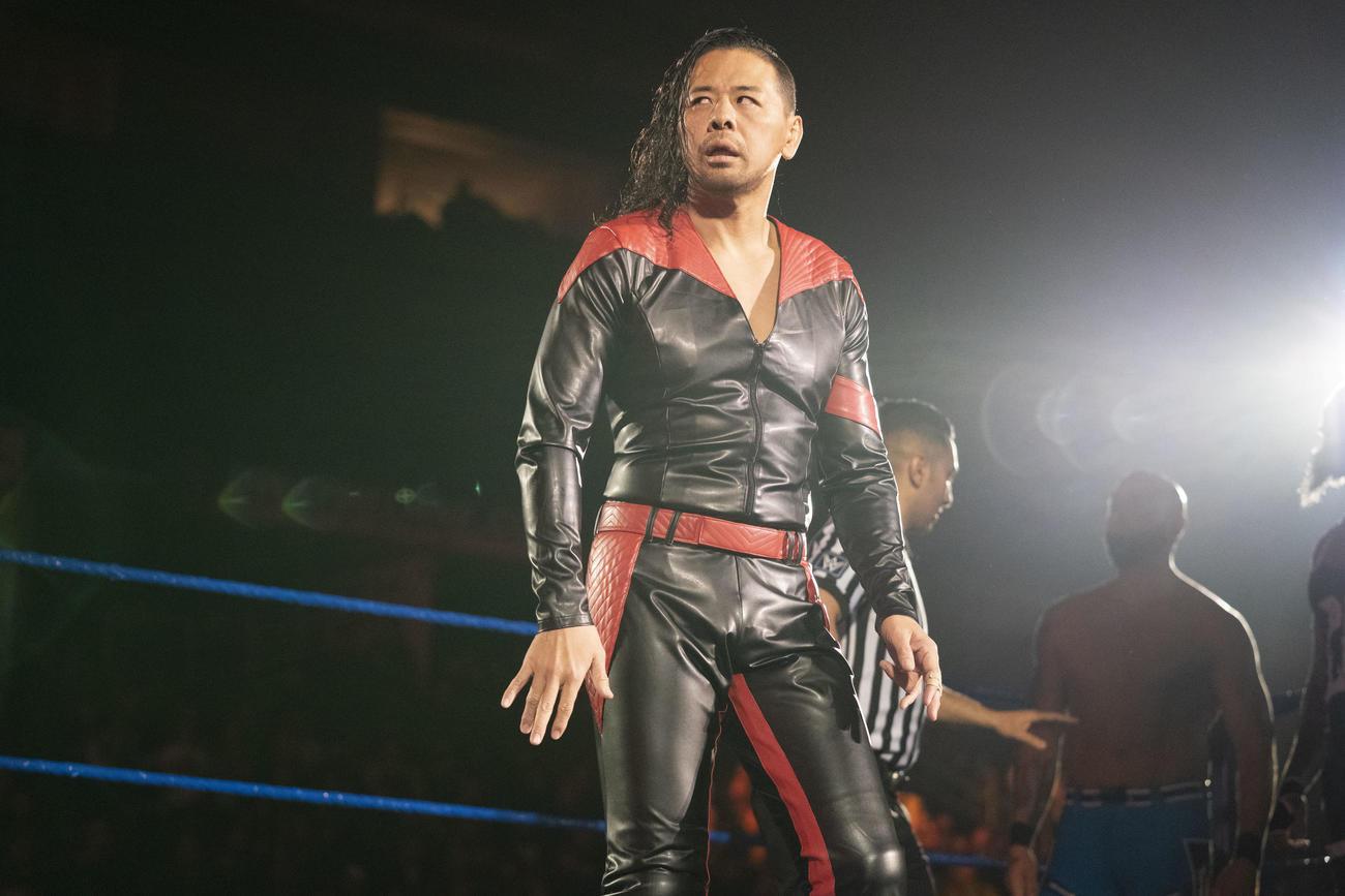 21年男子ロイヤルランブル戦を制したエッジと遭遇した中邑(C)2021 WWE, Inc. All Rights Reserved.