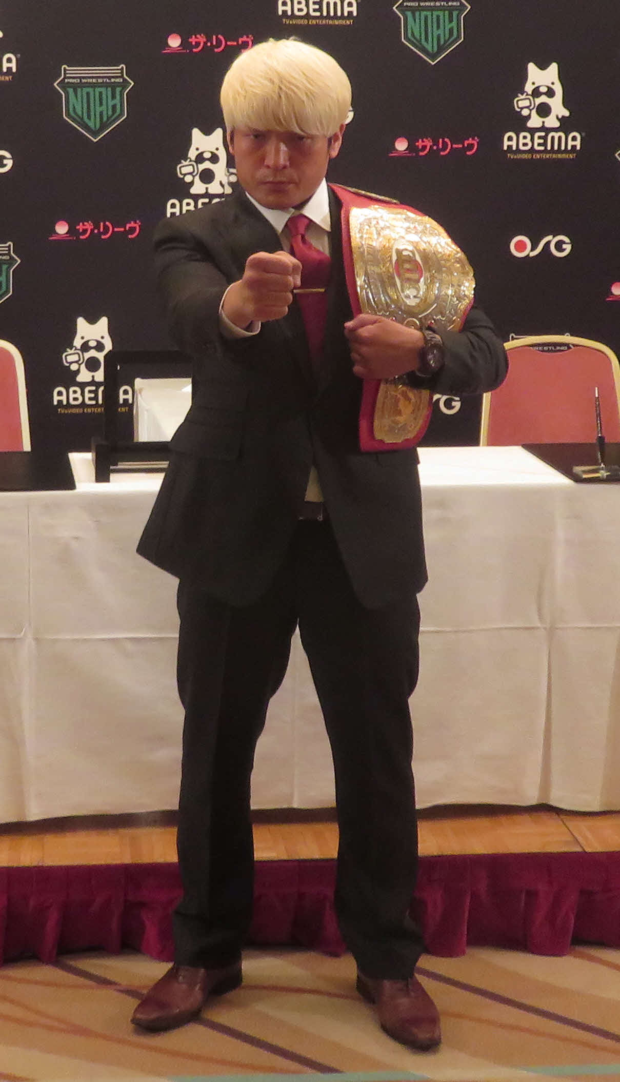 7日の横浜武道館大会でGHCナショナル王座6度目の防衛に成功し、一夜明け会見に出席した拳王(撮影・松熊洋介)