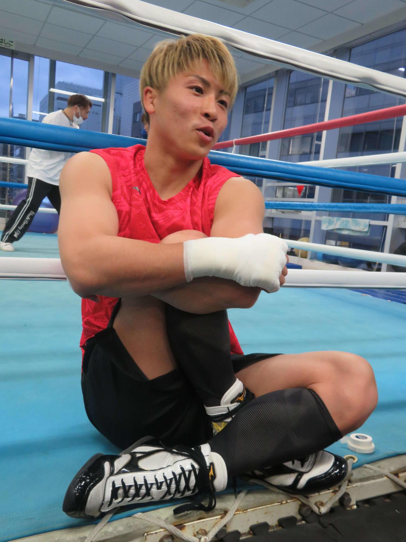 世界王座を初奪取した4月6日に合わせ、取材に応じたWBAスーパー・IBF世界バンタム級王者井上尚弥