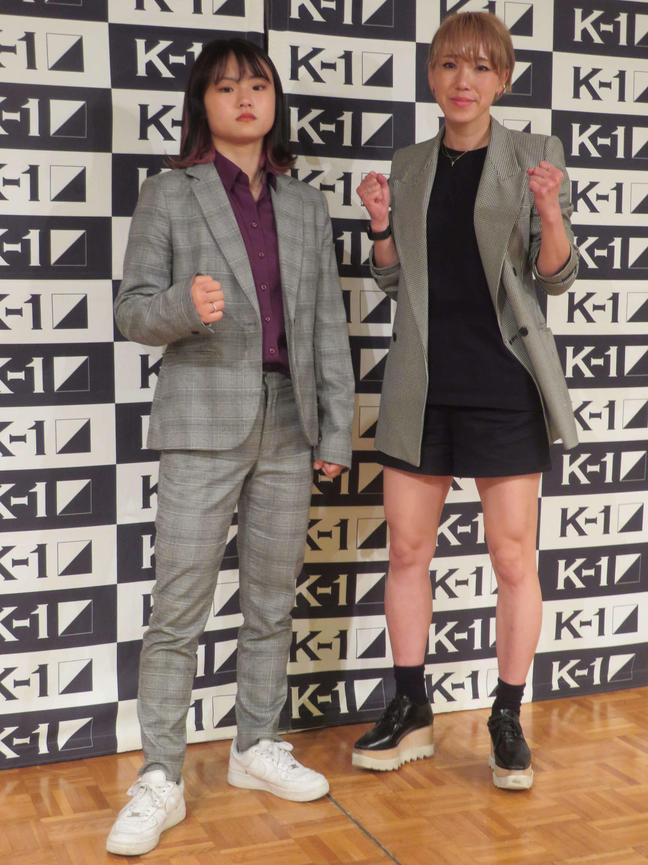 女子アトム級3分3回で対戦するMOE(左)と優
