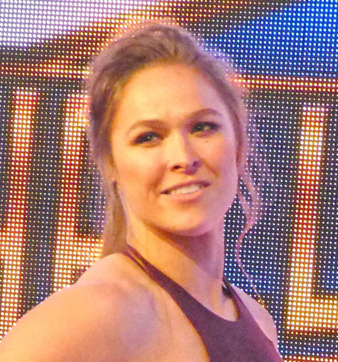 妊娠を発表した元UFC女子バンタム級王者でWWEの元ロウ女子王者ロンダ・ラウジー