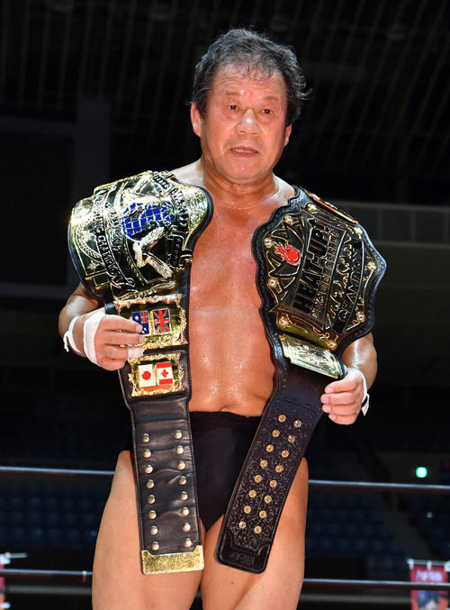 9月17日、プロレス・ヒートアップ川崎大会で藤波辰爾は2冠王者に輝いた(撮影・柴田隆二)