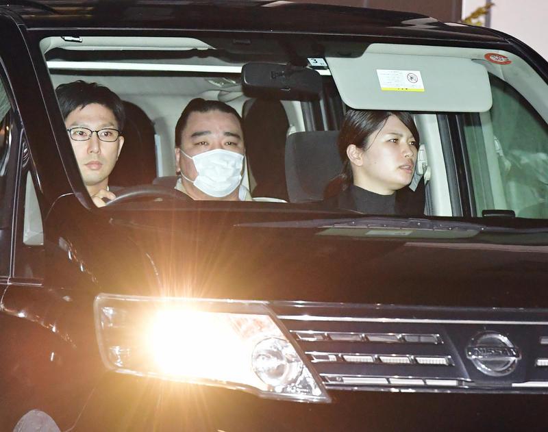 nikkansport.com @ mobile日馬富士、書類送検へ 起訴求める「厳重処分」付き