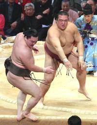 逆転のすくい投げ/白鵬vs稀勢の里名勝負 - 大相撲 : 日刊スポーツ