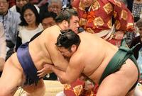 錦木が上位陣に連勝 豪栄道戦の懸賞は「妻に」 - 大相撲 : 日刊スポーツ