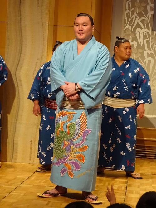 名古屋宮城野部屋ファンクラブパーティーに出席した白鵬(撮影・加藤裕一)