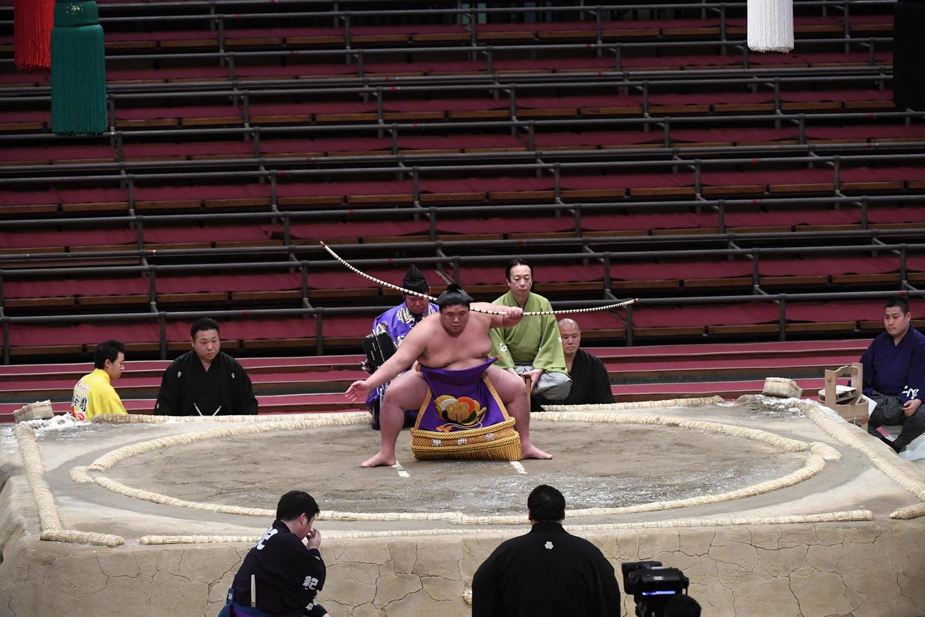 相撲 弓取り 式 力士