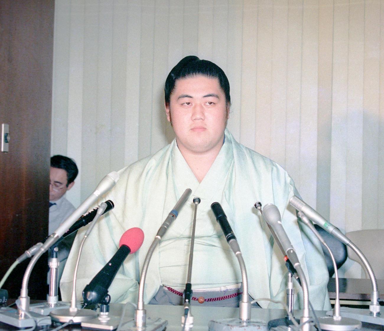 失踪事件を起こし廃業となった双羽黒(1987年12月31日撮影)