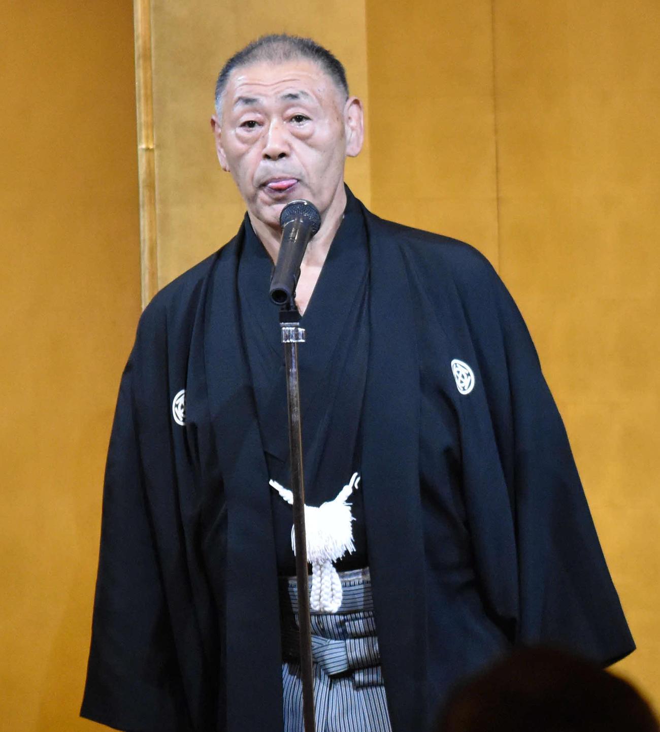 大島親方(17年6月11日撮影)