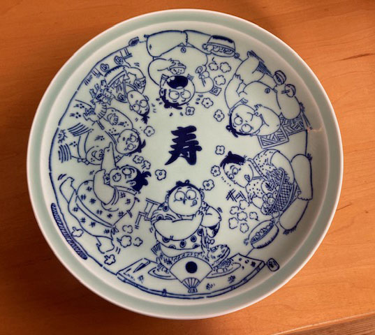 結婚式の引出物で配られた琴剣さんのマンガ入り大皿