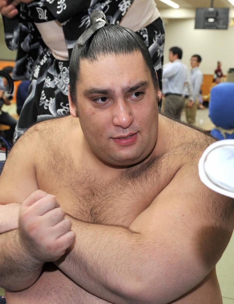 魁聖が初の休場 白鵬との稽古中に右膝痛める - 大相撲 : 日刊スポーツ