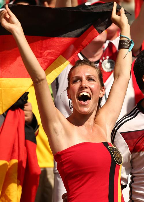 歓喜のドイツ美女サポーター
