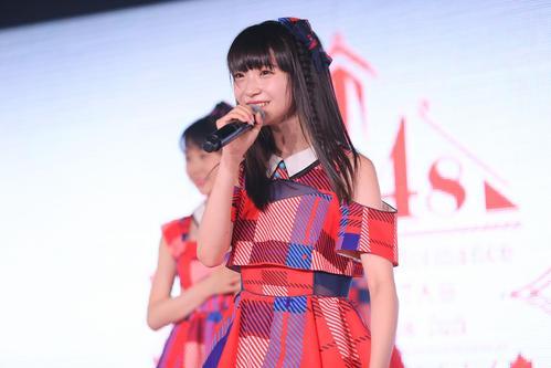 NGT劇場公演で歌う荻野由佳(C)AKS
