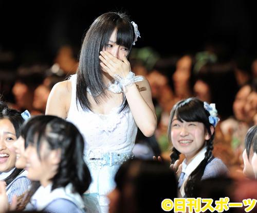 第4回総選挙開票イベント、18位に号泣(2012年6月6日撮影)