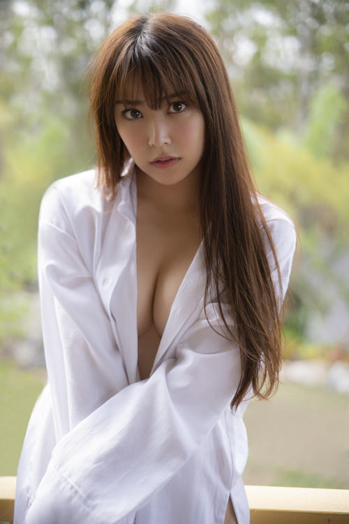 ファースト写真集の発売が決まったNMB48白間美瑠