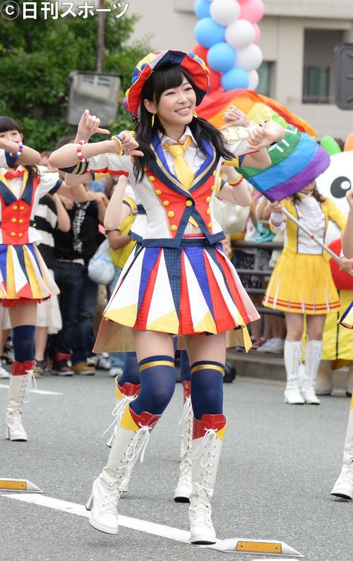 2013年6月22日、MV撮影でダンスする指原莉乃