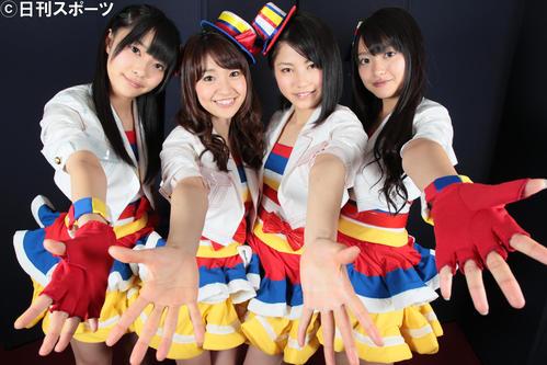 2011年2月28日、Not yetの左から指原莉乃、大島優子、横山由衣、北原里英
