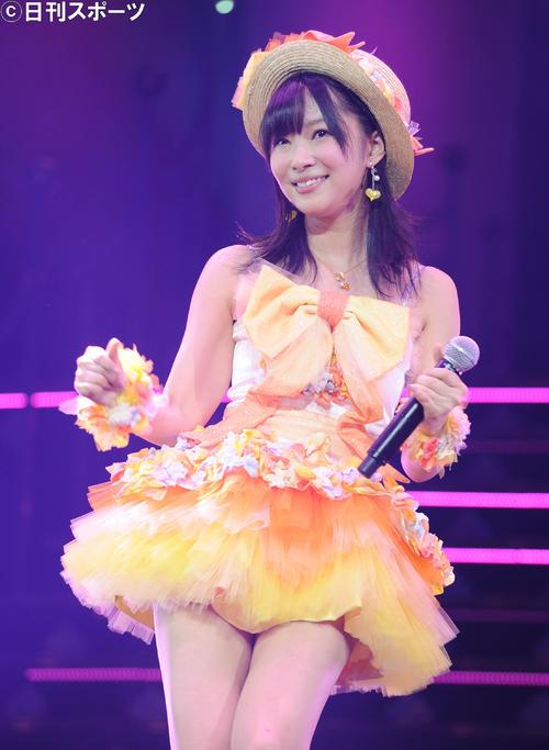 12年6月25日、「第1回ゆび祭り~アイドル臨時総会~」に出演した指原