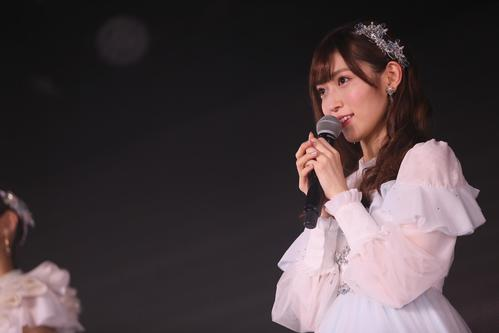 卒業公演でファンにあいさつするNGT48山口真帆(C)AKS