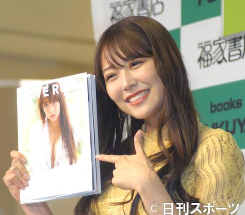 写真集「LOVE RUSH」発売記念イベントを行ったNMB48白間美瑠(撮影・大友陽平)