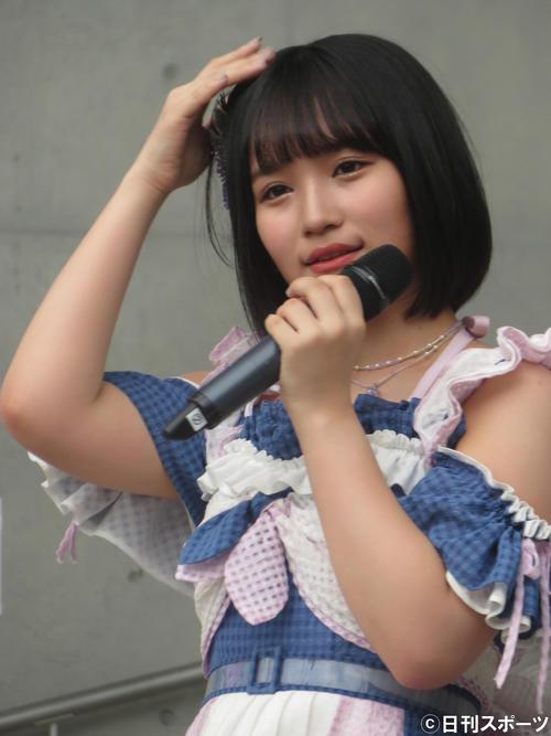 初センター曲となった新曲「サステナブル」発売記念イベントに出席した矢作萌夏