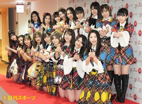 NHK紅白歌合戦 リハーサルを終え、笑顔を見せるAKB48(撮影・加藤諒)