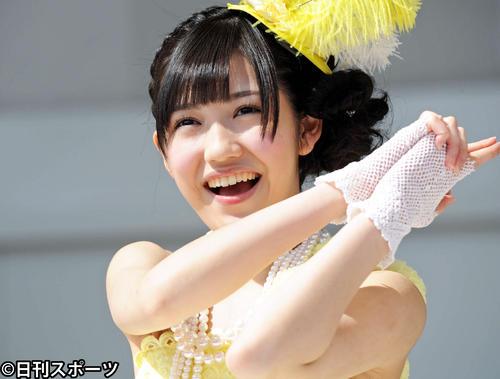 「シンクロときめき」発売記念ソロライブ でファンのハートをねらい撃つ渡辺麻友(2012年3月20日撮影)