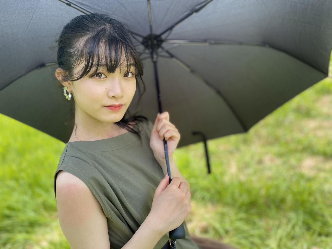 「絶望の後で」のミュージックビデオ撮影での小越春花