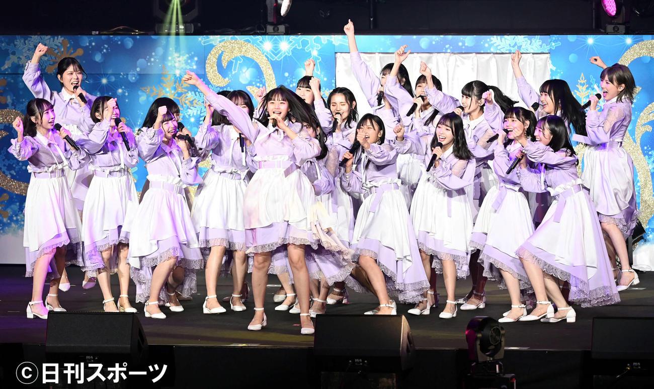 初の単独武道館コンサートでノリノリのステージを披露するSTU48(撮影・たえ見朱実)