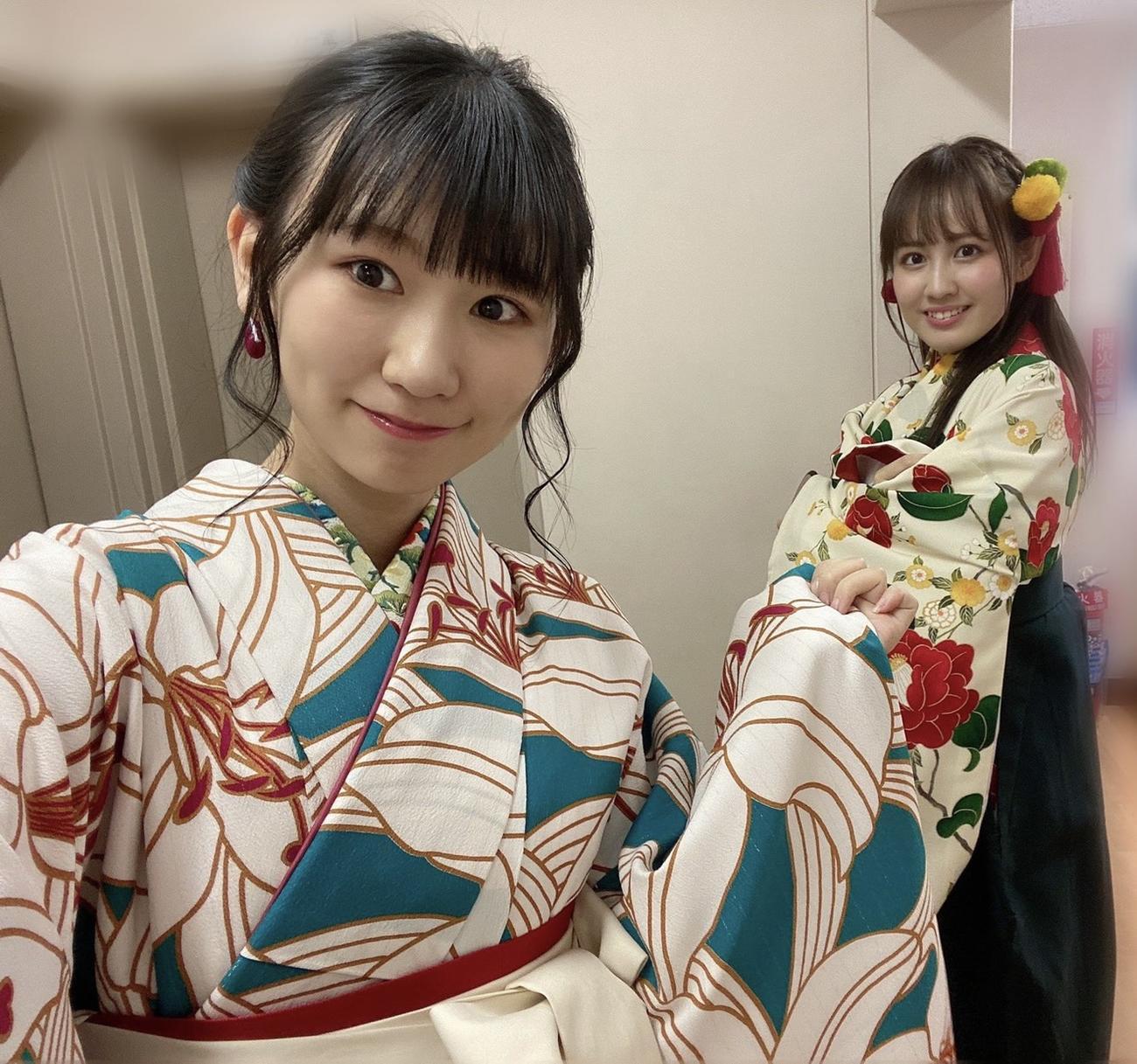 舞台「酔狂落語~二〇二一春の陣~」に出演した佐藤海里(左)と西村菜那子(C)Flora
