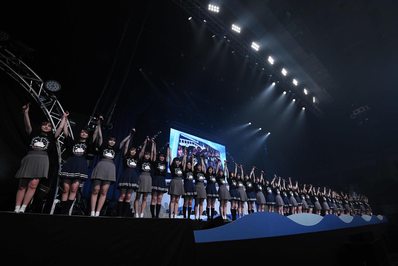 4周年コンサートを行ったSTU48(C)STU