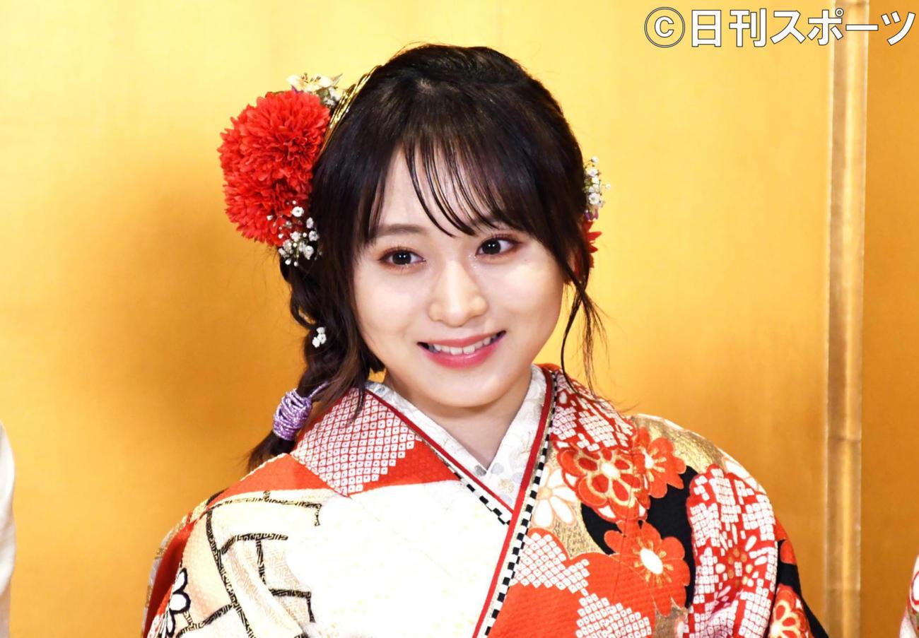 AKB48新成人メンバー成人式で取材に応じた坂口渚沙(撮影・大友陽平)