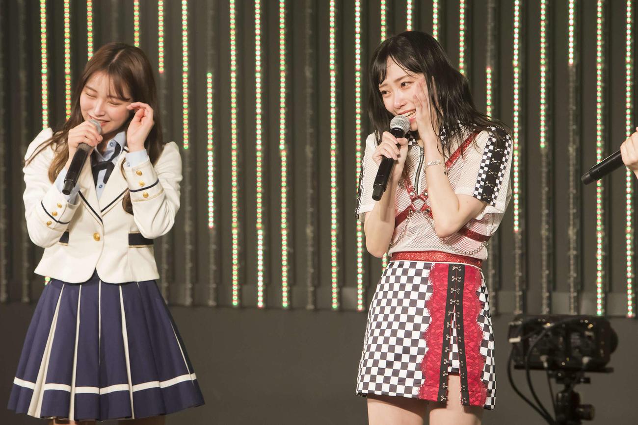 25枚目シングルでセンターを務めることが決まった白間美瑠(左)と初選抜の石塚朱莉(C)NMB48
