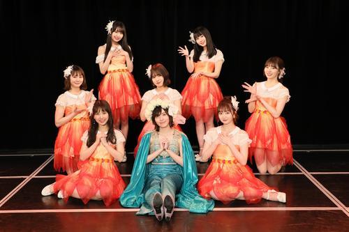 松井珠理奈(前列中央)の卒業公演に出演したSKE48の、前列左から熊崎晴香、1人おいて江籠裕奈、中列左から松本慈子、福士奈央、菅原茉椰、後列左から野村実代、井上瑠夏