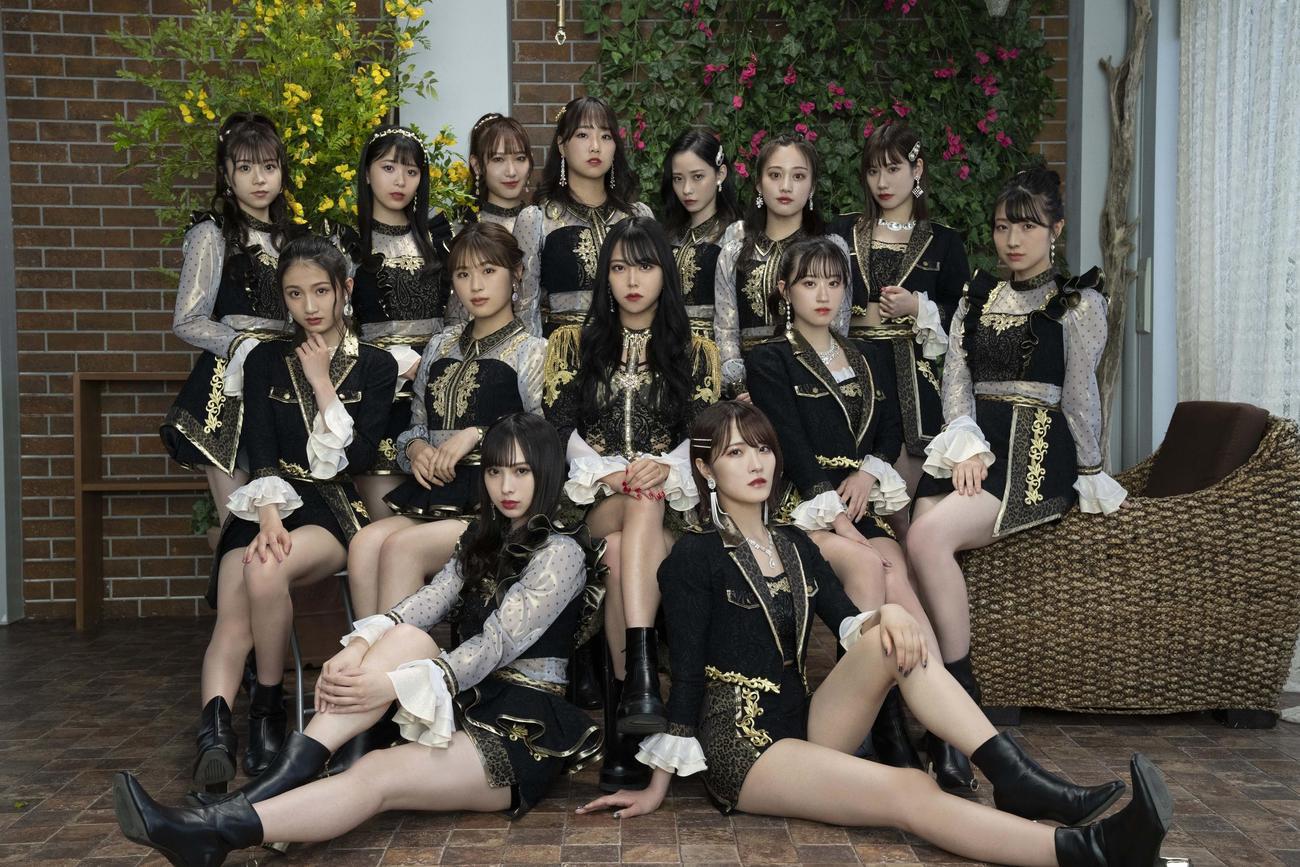 NMB48最後の1期生、白間美瑠(中央)の卒業シングル新ビジュアル(C)NMB48