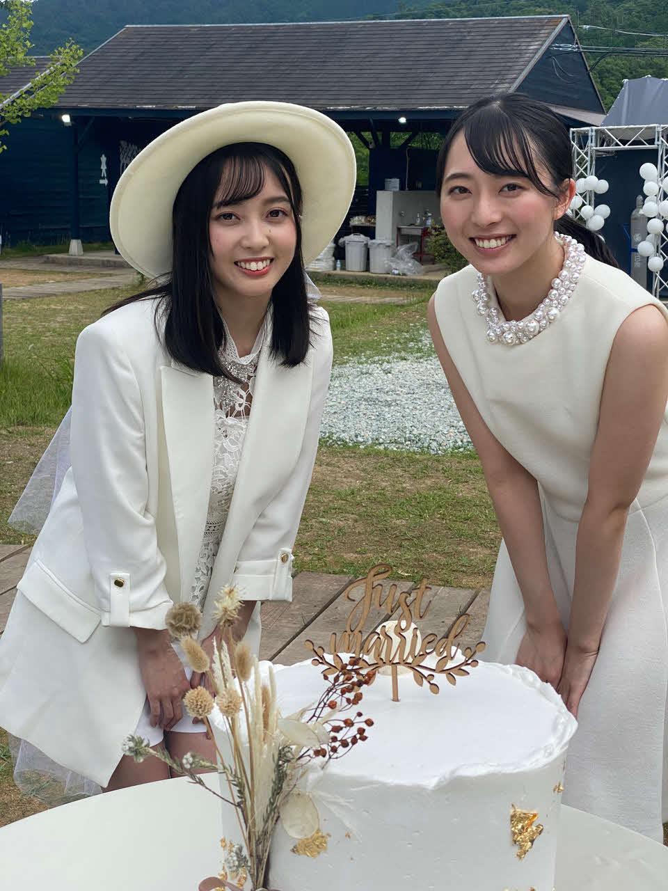 映画「酒蔵のむすめ」にダブル主演する今村美月(左)と石田みなみ