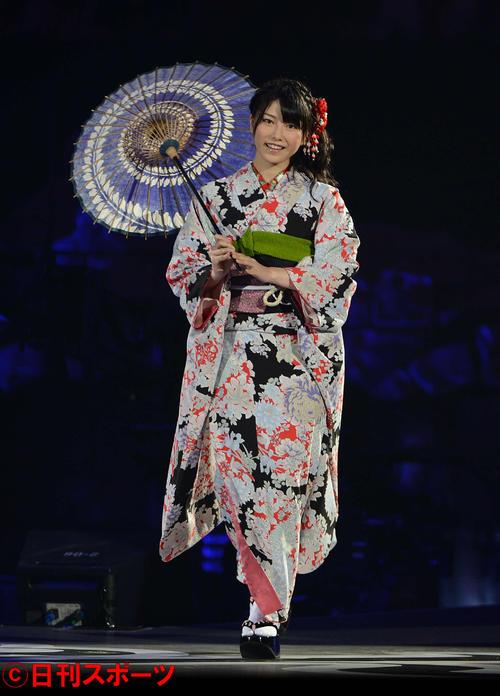 第3回AKB48じゃんけん大会 じゃんけん大会に臨む横山由依(2012年9月撮影)