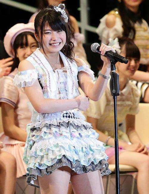 第5回AKB48選抜総選挙開票イベント 13位の横山由依(2013年6月撮影)
