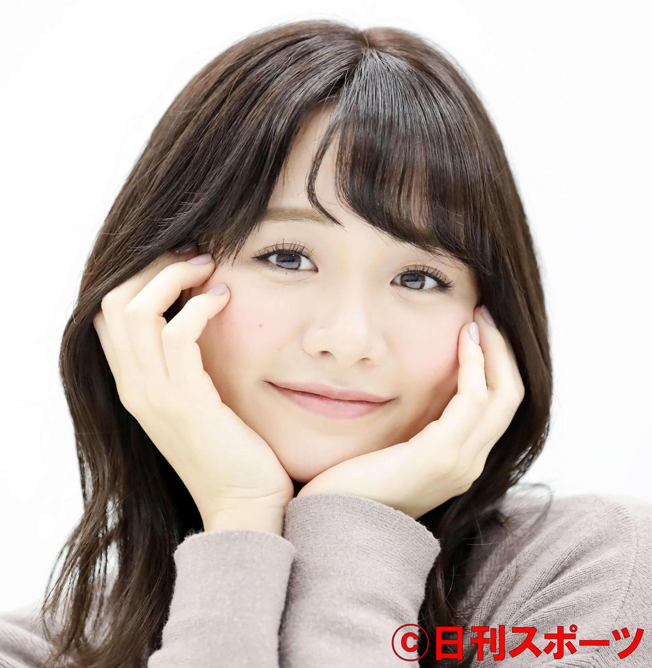 インタビュー中、カワイイ笑顔を見せるテレビ東京の森香澄アナウンサー(撮影・浅見桂子)