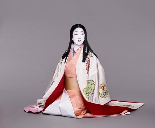 「本朝白雪姫譚話」で白雪姫を演じる坂東玉三郎