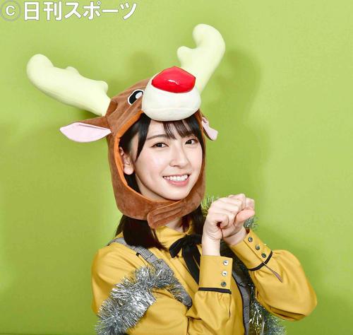 トナカイのかぶり物でクリスマスライブをアピールする日向坂46金村美玖(撮影・小沢裕)