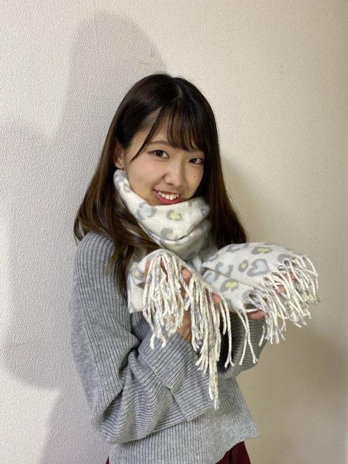 "Mihiro Shirota's favorite goods is ""White leopard print scarf"""