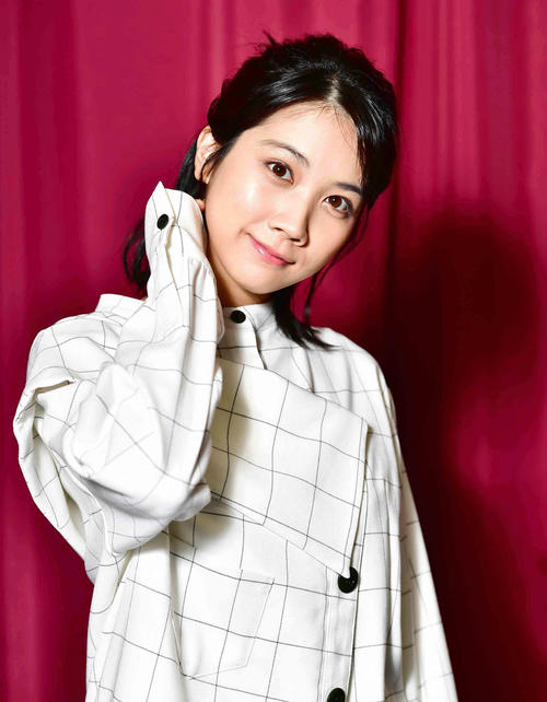 映画「おいしい家族」で主演を務めた松本穂香。初めての撮影でしたが、以前どこかでお会いしたような…。そんな感じにさせてくれる素敵な女優さんでした(撮影・小沢裕)